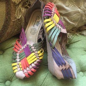 Rainbow multicolor Huracha Sandals Sz 6.5 7